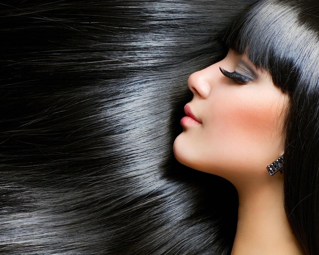 Tinh dầu lá dứa dùng để gội đầu giúp sạch gàu, mượt tóc