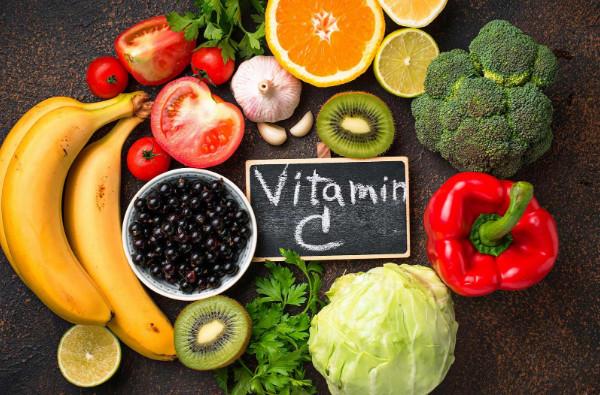 Cam không phải là trái cây chứa nhiều vitamin C nhất (Nguồn: shutterstock.com)