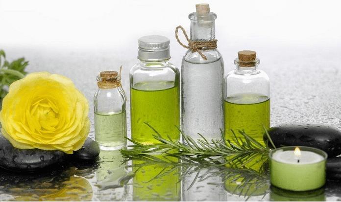 Tinh dầu không chỉ thơm, khử mùi mà còn làm sạch và làm đẹp