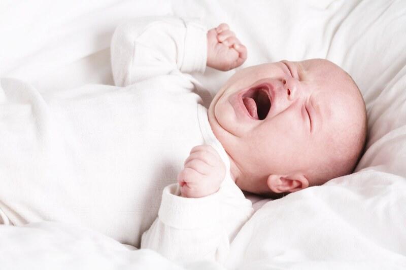 Sức khỏe của trẻ cũng bị ảnh hưởng xấu nếu như bà bầu bị mất ngủ về đêm.