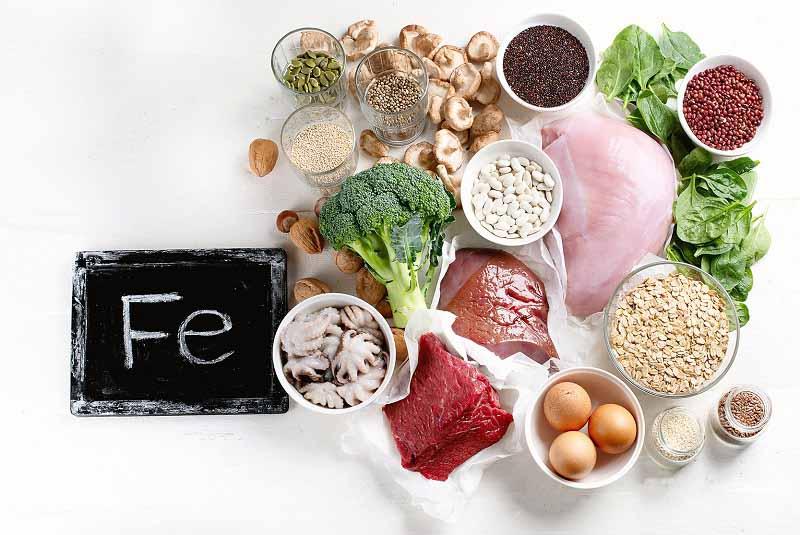 Bổ sung dinh dưỡng cho mẹ bầu qua những thức ăn giàu chất sắt tự nhiên.