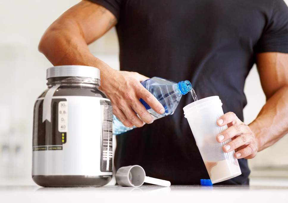 Bạn chỉ nên dùng khoảng 1 – 2,2 g Protein/kg trọng lượng cơ thể.