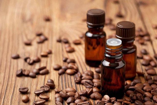 Tinh dầu café được biết đến với rất nhiều công dụng, đặc biệt là trong việc dưỡng tóc