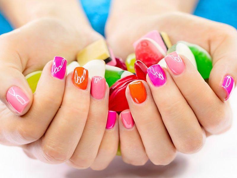 Có bầu sơn móng tay được không? – Vấn đề được nhiều người quan tâm.