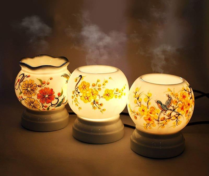 Đèn xông tinh dầu tràm nên sử dụng trong không gian kín