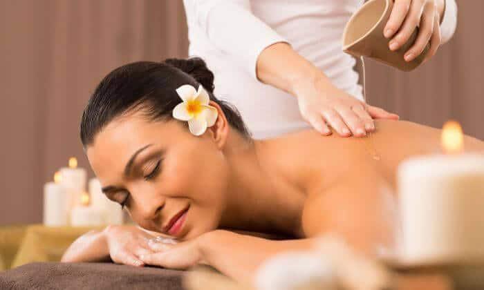Massage bằng tinh dầu giúp cơ thể khỏe mạnh hơn