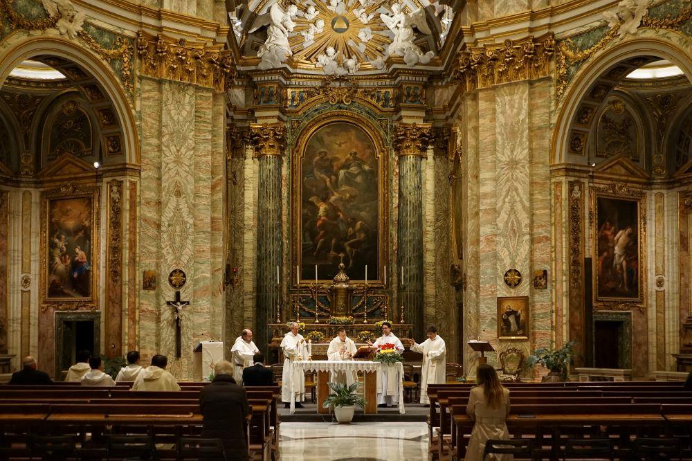 Nhiều người mang số 9 sẽ thích làm việc trong các tổ chức tôn giáo, tâm linh.