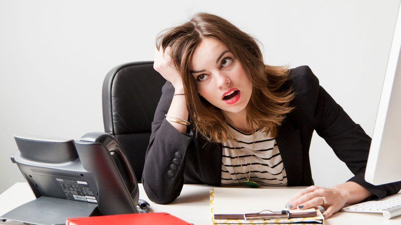 Người mang số 5 trong thần số học hay bị hồi hộp khi giải quyết các công việc áp lực.