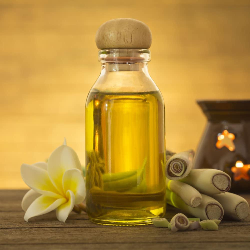 Tinh dầu sả nguyên chất có đặc trưng tinh dầu riêng