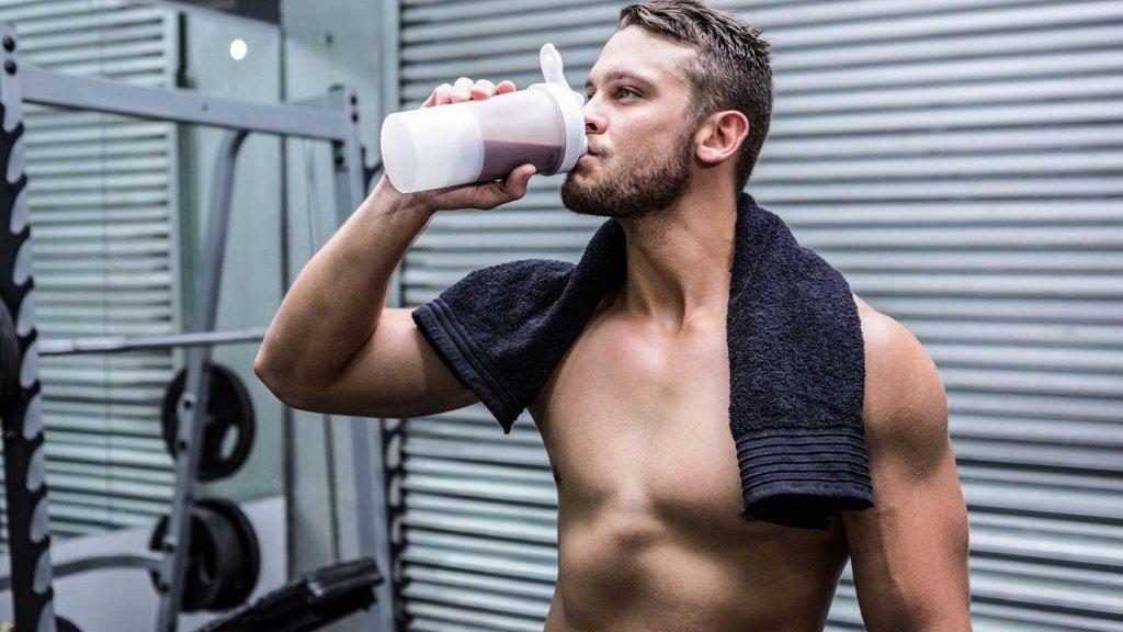 Whey Protein có công dụng làm tăng sức mạnh cơ bắp.